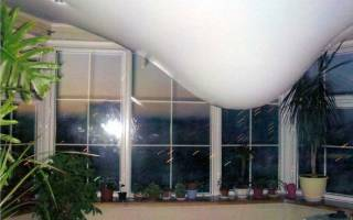 Натяжной потолок провис от воды что делать