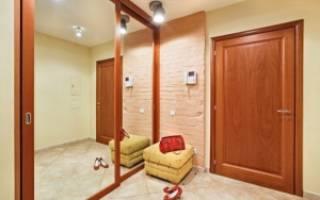 Чем отделать стены в коридоре частного дома