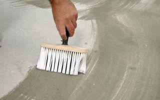 Белая грунтовка для выравнивания цвета стен