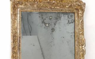 Старинные зеркала в деревянной раме фото