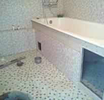 Экран под ванну из плитки с дверцей