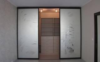 Зеркальные двери купе для гардеробной фото
