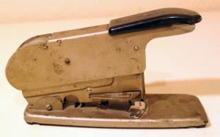 Как пользоваться мебельным степлером?